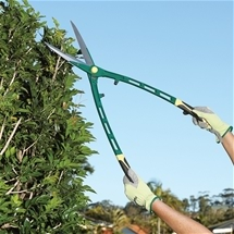 Super-Light, Ultra-Sharp Garden Shears